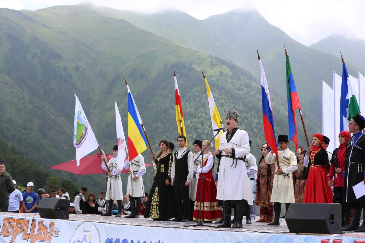 В Тляратинском районе Дагестана состоялся Международный фестиваль традиционной культуры «Цамаури»