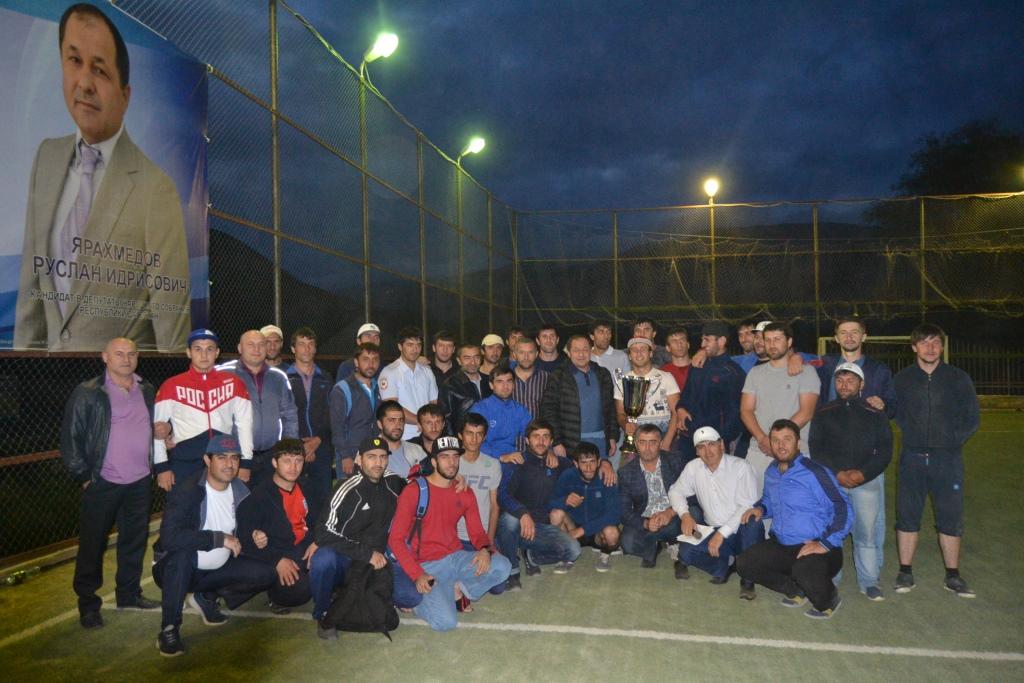 Ко Дню солидарности в борьбе с терроризмом в Акушах прошел турнир по футболу