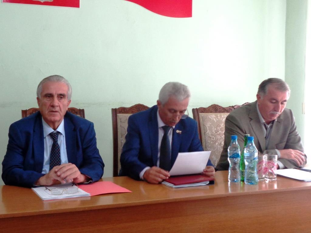 Девятая сессия Собрания депутатов прошла в Дагестанских Огнях