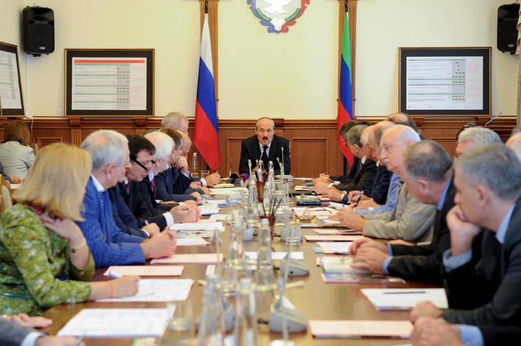 Под руководством Рамазана Абдулатипова состоялось первое заседание Совета по устойчивому развитию и приоритетным проектам РД