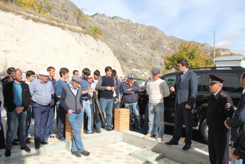 Состоялась встреча заместителя главы Гергебильского района по безопасности с жителями села Чалда