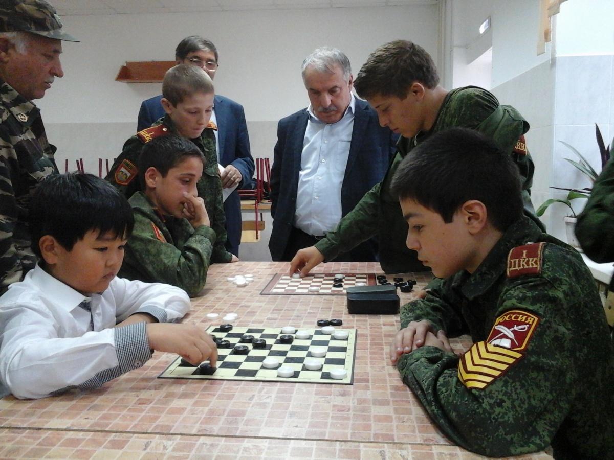 Русские шашки в Первом Дагестанском кадетском корпусе