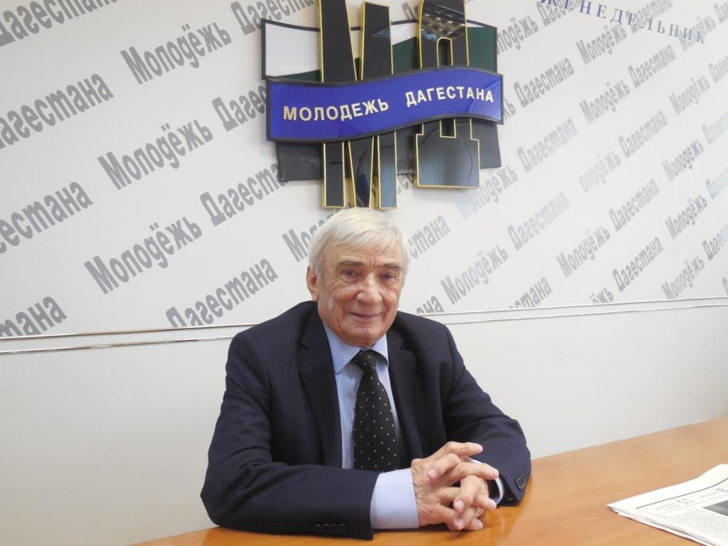 Профессор Ильясов - человек науки