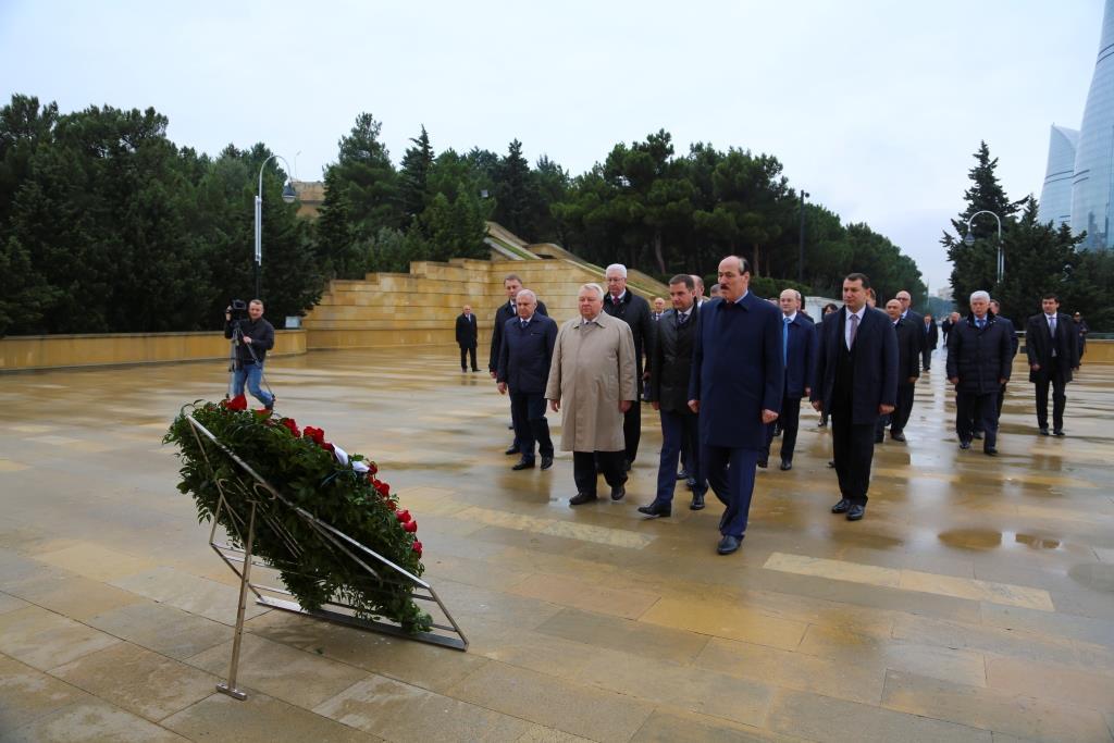Официальная делегация Дагестана под руководством Рамазана Абдулатипова принимает участие в работе VII Азербайджано-российского межрегионального форума