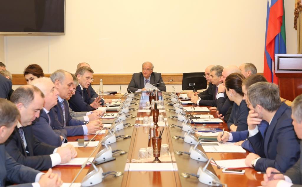 Под руководством Анатолия Карибова прошло заседание оперативного штаба по вопросу эпидемической ситуации по острым кишечным инфекциям