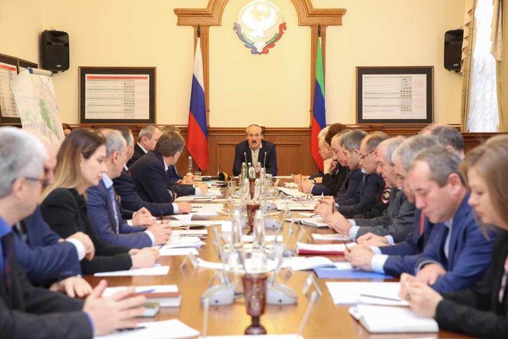Рамазан Абдулатипов провел заседание оперативного штаба по вопросу эпидемической ситуации по острым кишечным инфекциям в г. Махачкале