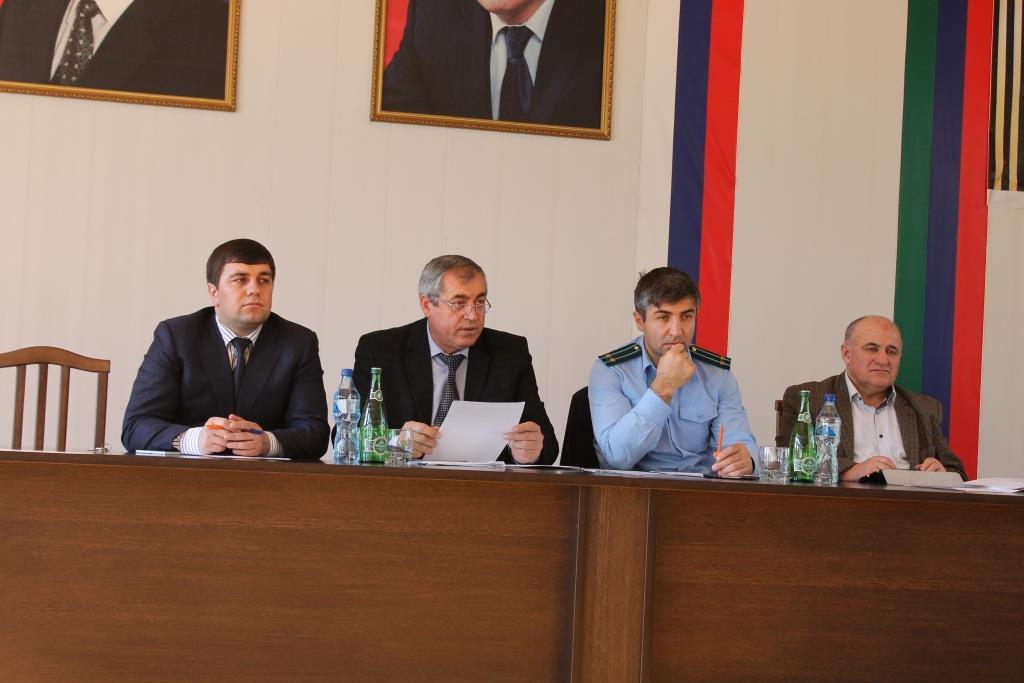 На внеочередной сессии района обсудили изменение Устава района
