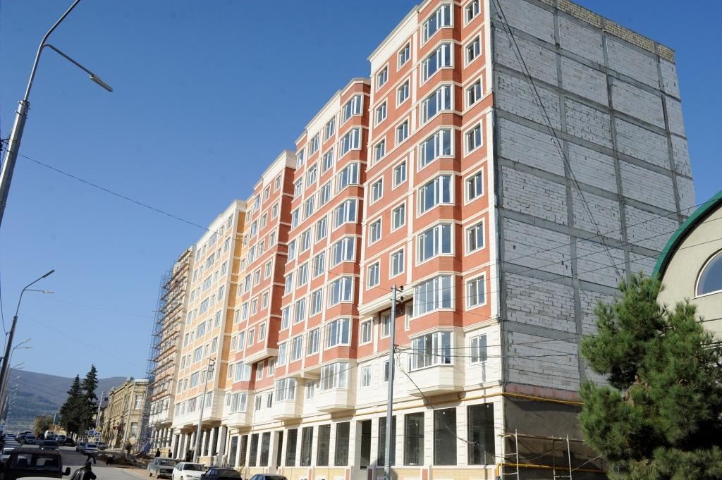 Абдусамад Гамидов в Дербенте ознакомился с ходом строительства новых домов для переселения граждан из аварийного жилья