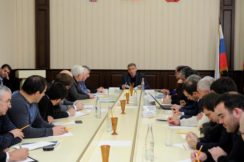 Абдусамад Гамидов в Дербенте провел совещание по вопросам переселения граждан из ветхого и аварийного жилья