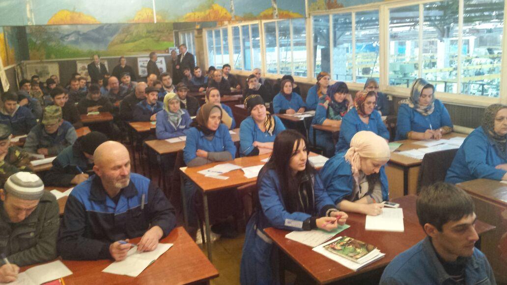 Мусалан Тахманов посетил Буйнакский агрегатный завод