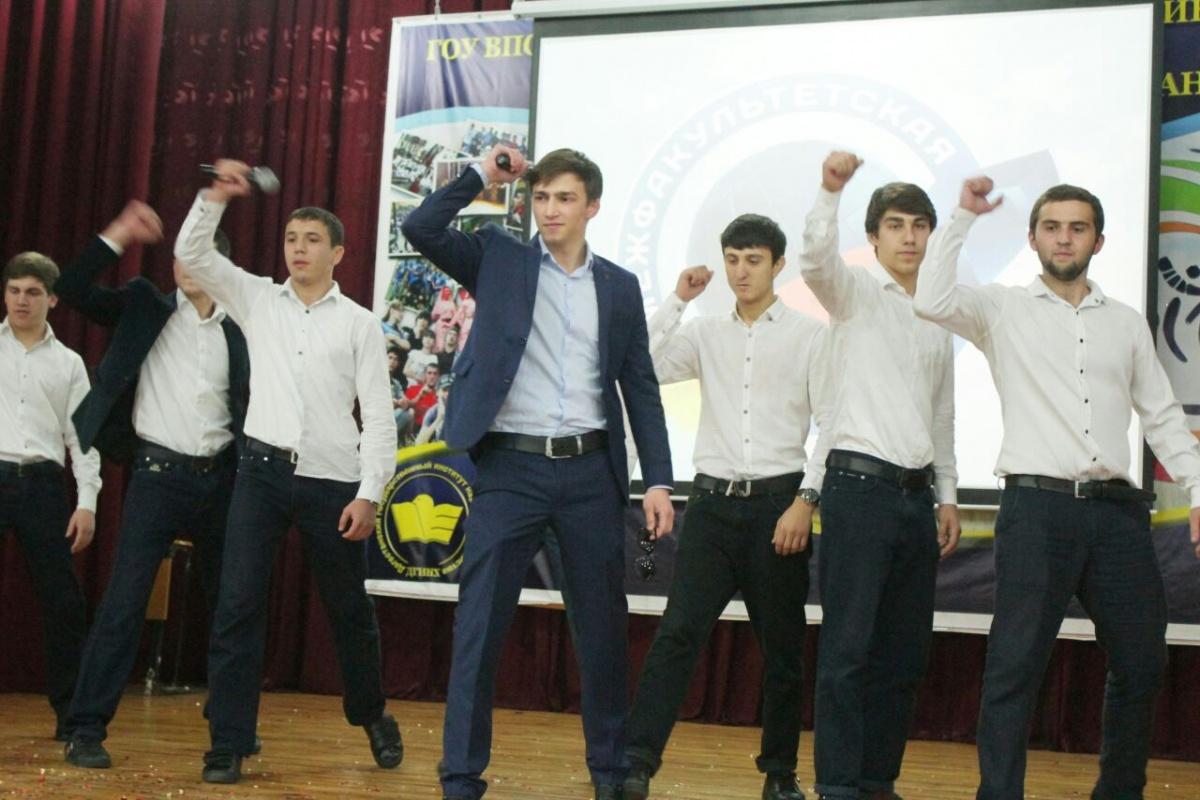 Межфакультетская лига КВН прошла в ДГУНХ