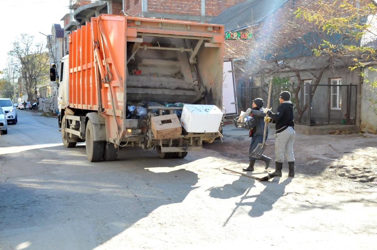 В столице Дагестана продолжается борьба с мусором