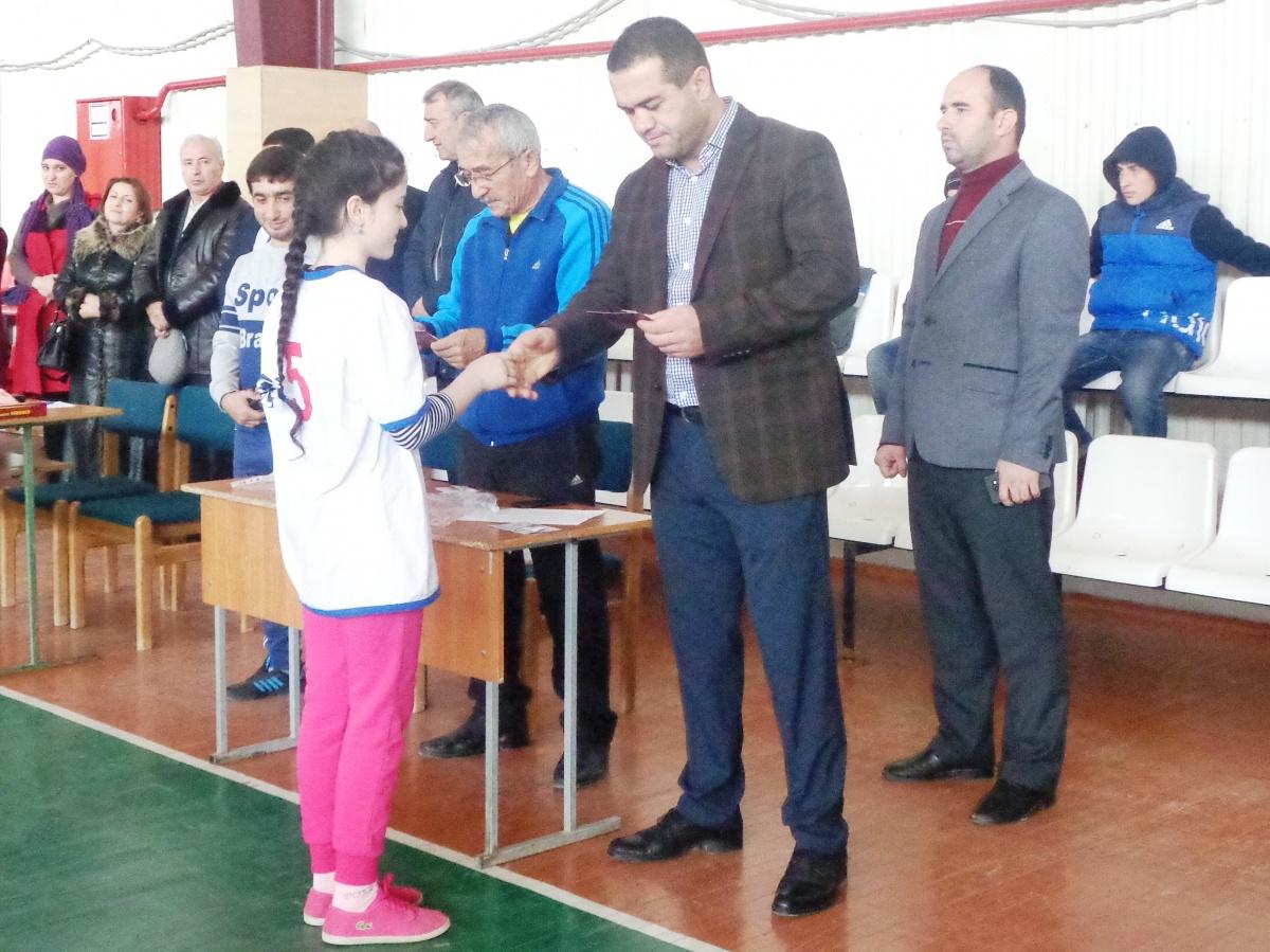 Весело и задорно прошли спортивные соревнования в Дагестанских Огнях