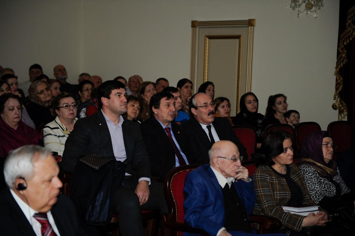 Рамазан Абдулатипов побывал на спектакле «Моя Надежда»