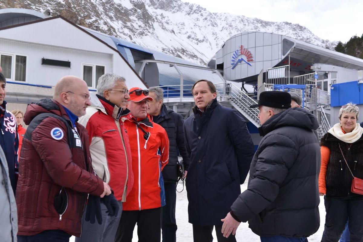 Лев Кузнецов проинспектировал готовность горнолыжного курорта «Эльбрус» к зимнему сезону