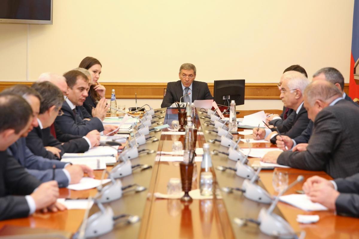 В Правительстве Дагестана обсуждена готовность объектов капитального строительства к вводу в эксплуатацию