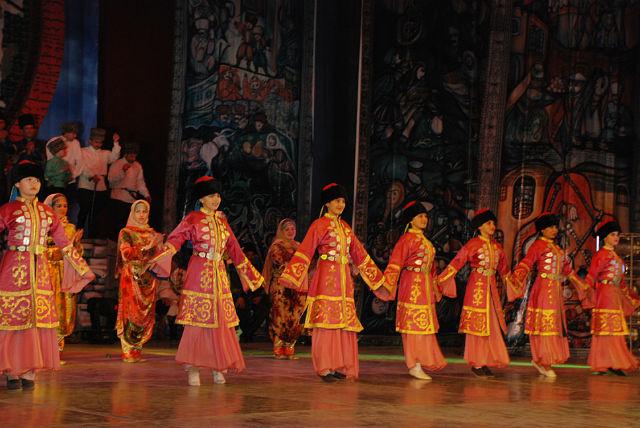 В Махачкале состоялся юбилейный концерт Государственного ногайского фольклорно-этнографического ансамбля «Айланай»