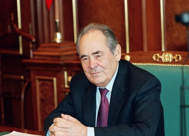 Минтемир Шаймиев награжден Орденом «За заслуги перед Республикой Дагестан»