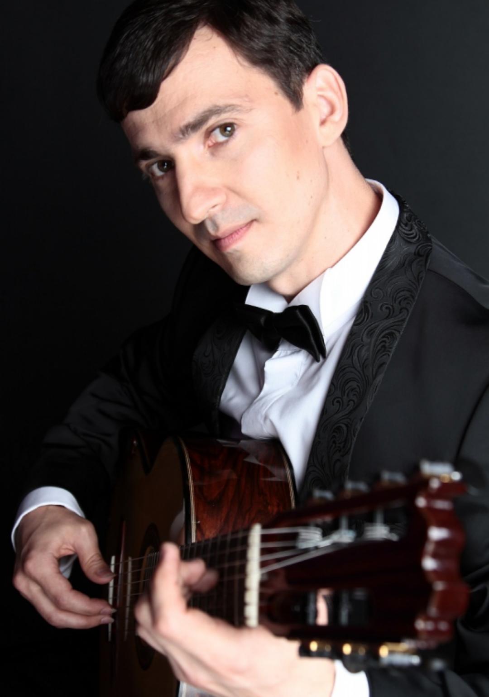 Виртуоз гитары Айнур Бегутов выступит в Дагестане