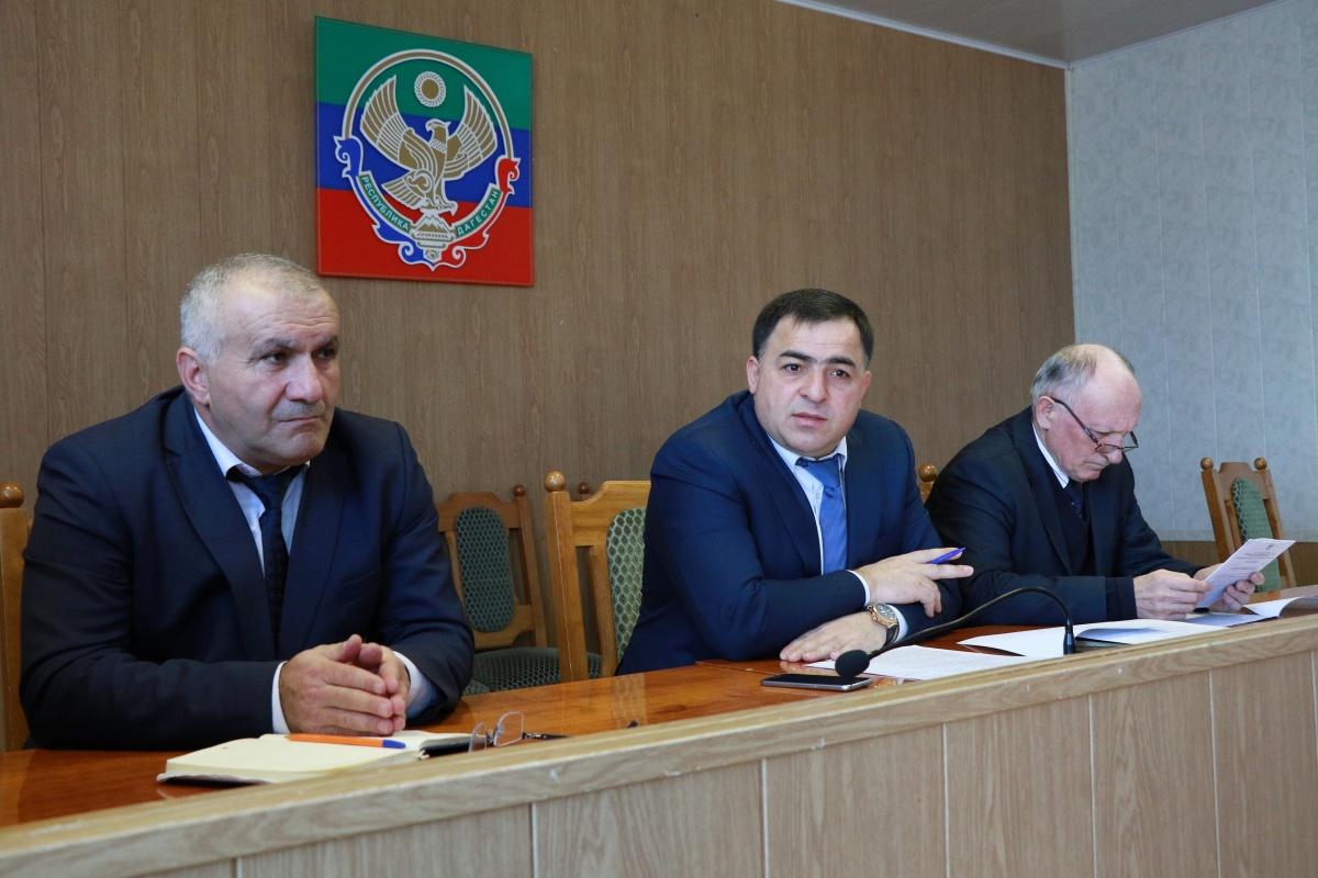 Состояние водоснабжения и безопасности дорожного движения обсудили в Магарамкентском районе