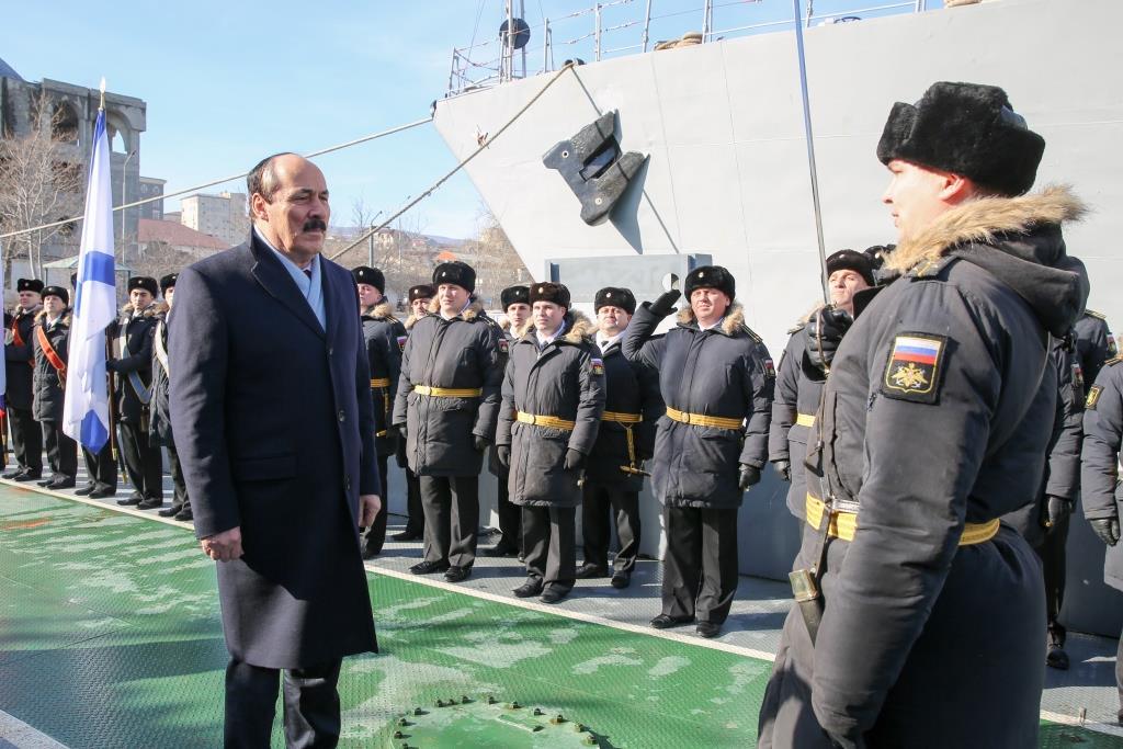 Глава Дагестана поздравил военнослужащих 106 бригады с Днем защитника Отечества