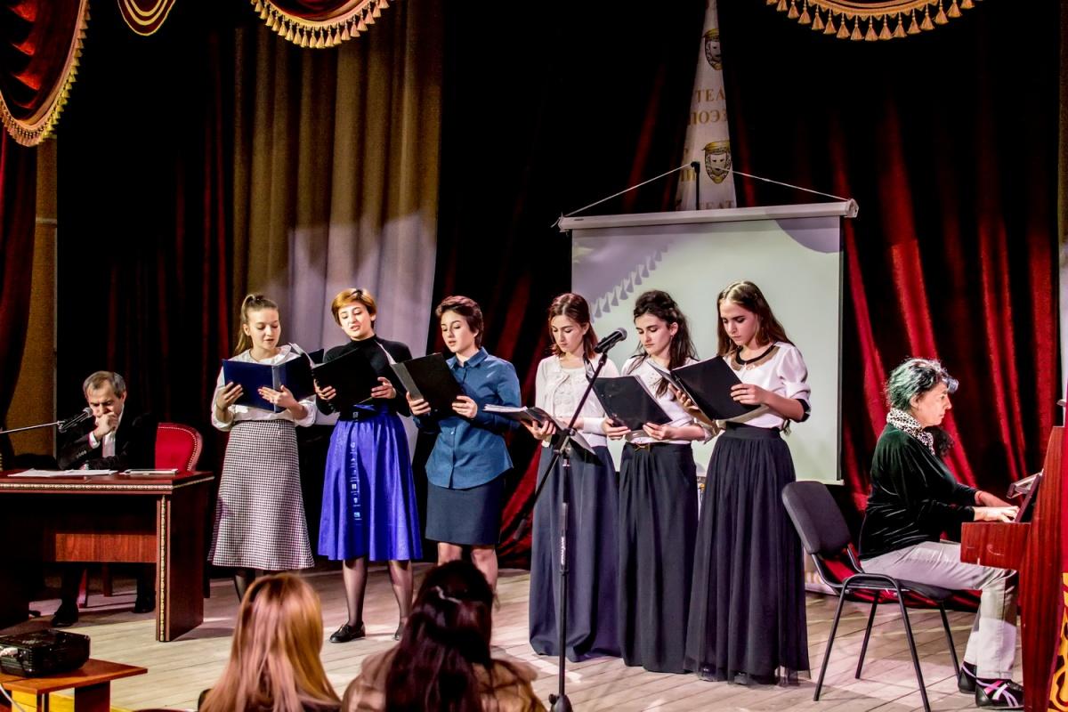 В Театре поэзии завершилась Неделя кумыкской поэтической, театральной, музыкальной культуры