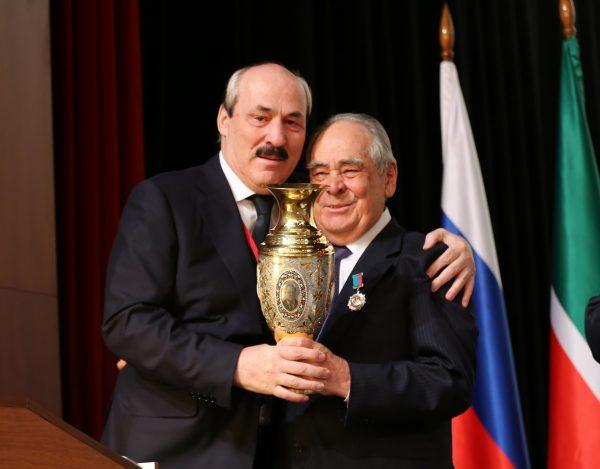 Абдулатипов вручил Минтимеру Шаймиеву орден за заслуги перед Дагестаном