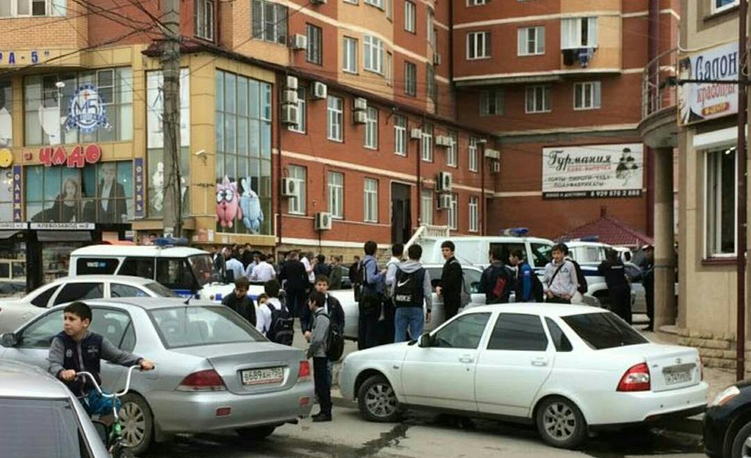 Две женщины в Махачкале молотком и ножом убили администратора развлекательного центра