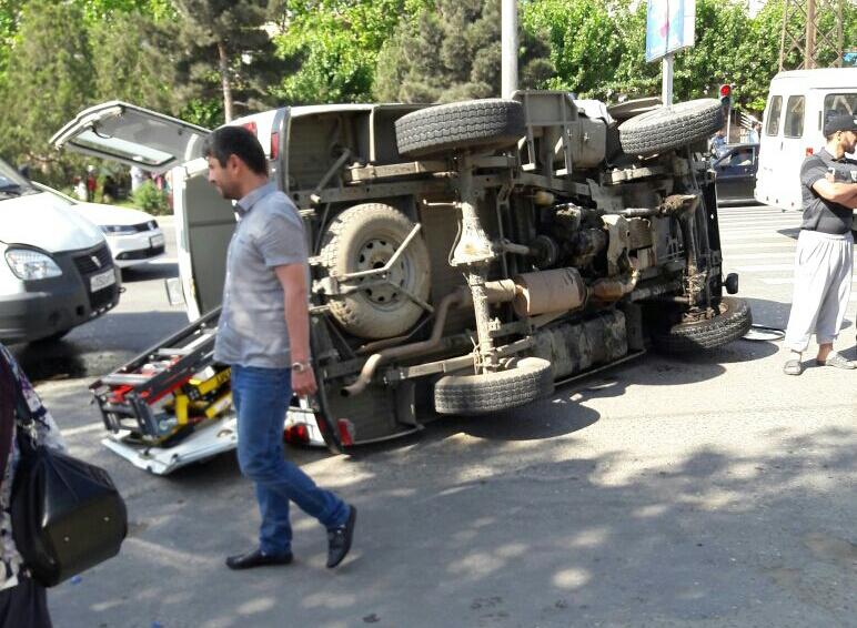 Карета «Скорой помощи» перевернулась в центре Махачкалы