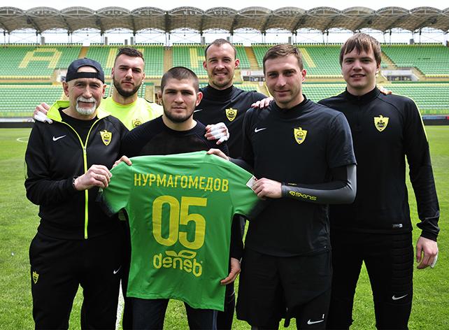 Хабиб Нурмагомедов пришел в гости к «Анжи»