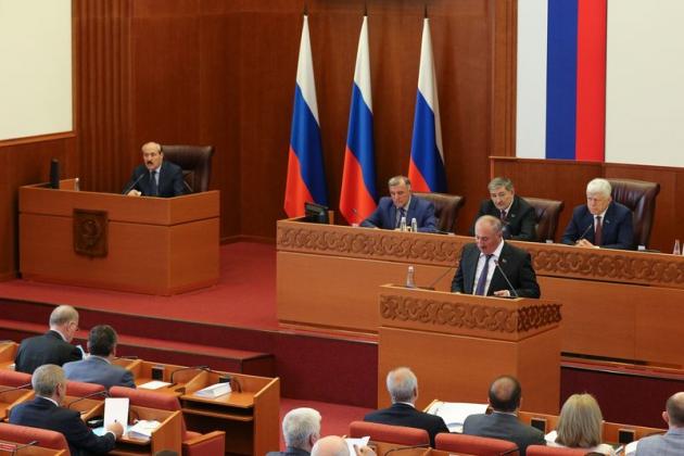 Абдулатипов: «Народ начал подключаться к проводимым реформам»