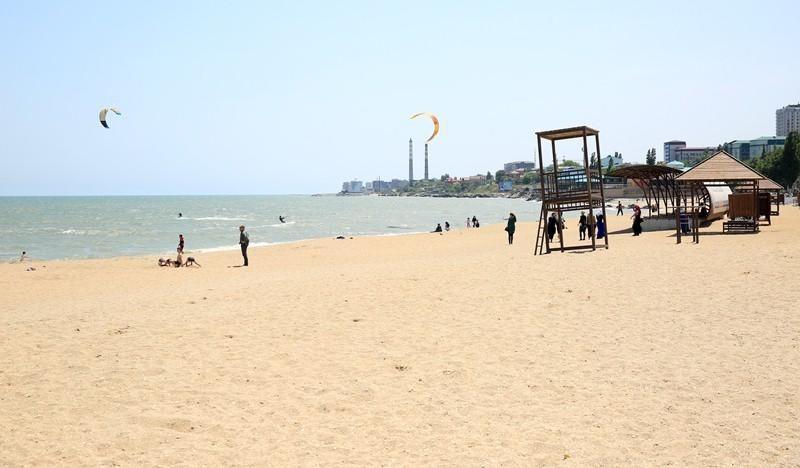 Городской пляж Махачкалы готов к купальному сезону на 70%