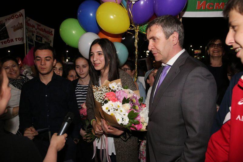 «Супер Карина»: В Махачкале встретили финалистку международного шоу