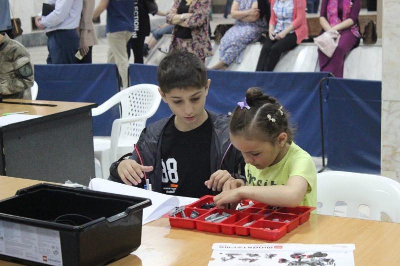 В Махачкале научились собирать роботов