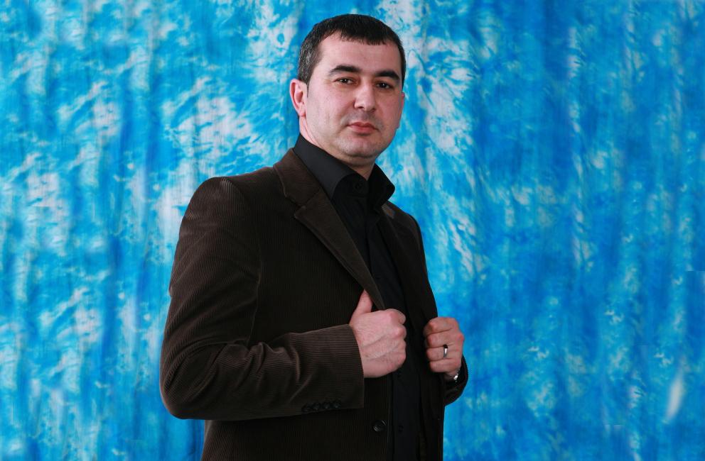 Руслан Пирвердиев стал заслуженным артистом Дагестана