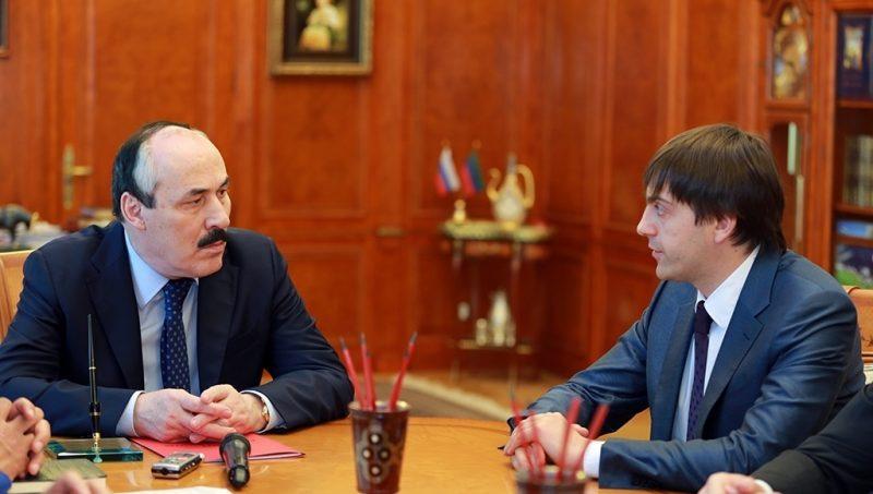 Глава Дагестана обозначил переход к улучшению качества системы образования региона