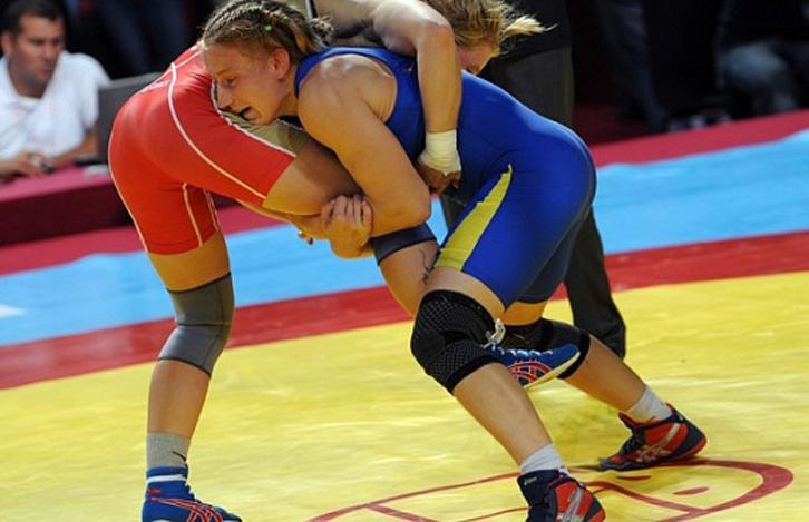 14 дагестанок выступят на чемпионате России по женской борьбе
