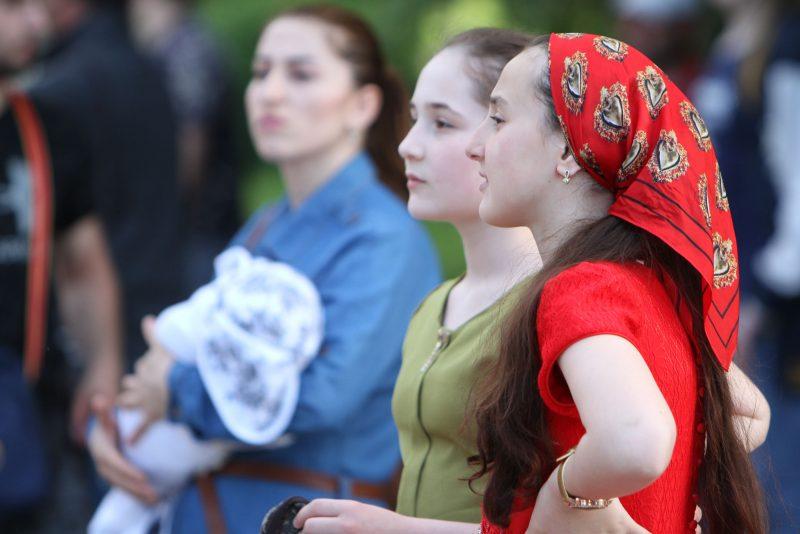 Люди ИКС. О чем думают и мечтают дагестанские подростки