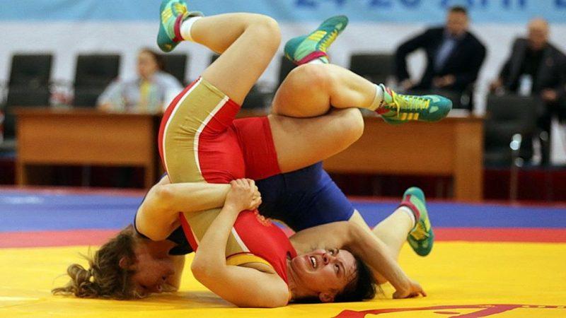 Женщины в трико. В Каспийске прошёл чемпионат России по женской борьбе