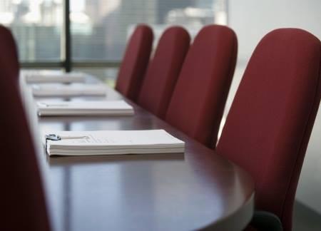 Абдулатипов утвердил «свою» часть Общественной палаты Дагестана