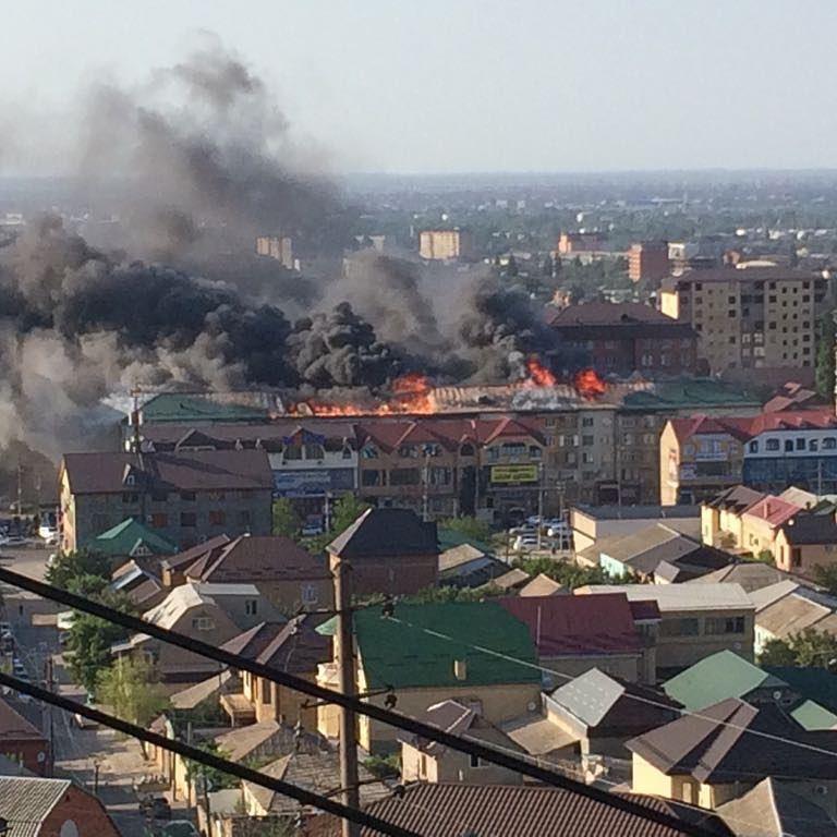 Пожар на крыше дома в Махачкале локализован - МЧС