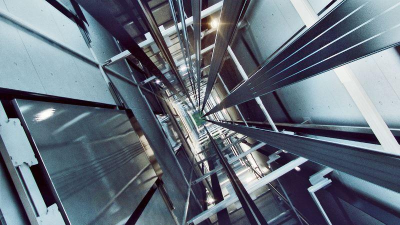 В Кизляре производят грузовые и пассажирские лифты