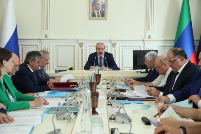 «Нарушение ПДД подобно терроризму». Власти Дагестана пытаются усмирить лихачей