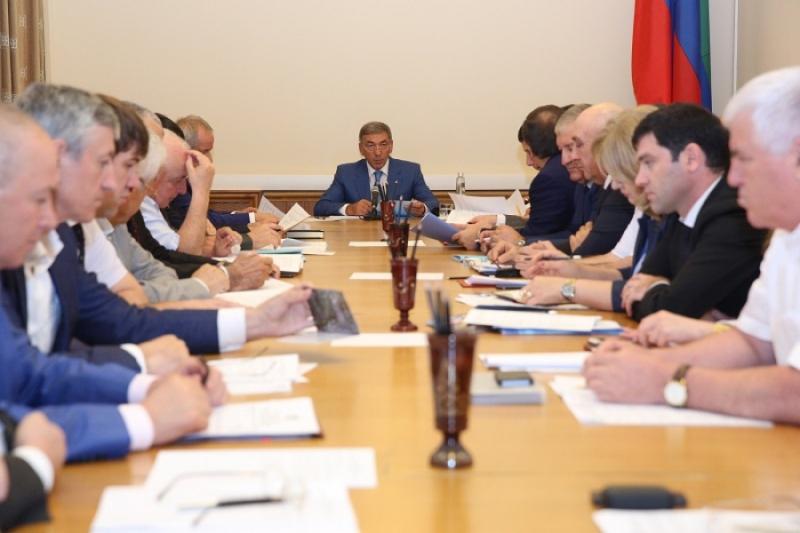 Дагестан будет участвовать во всех госпрограммах
