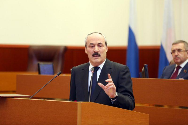Глава Дагестана укрепил позиции в рейтинге влиятельности губернаторов