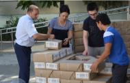 В Махачкалу привезли первые учебники для II и VII классов