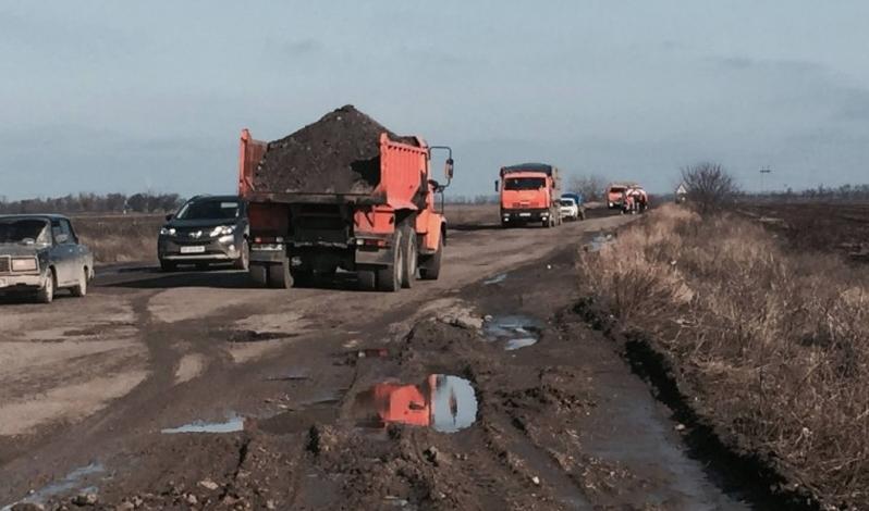 В Тарумовском районе реконструируют автодороги