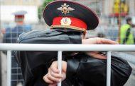 В Каспийске неизвестные напали на полицейских. Есть жертвы