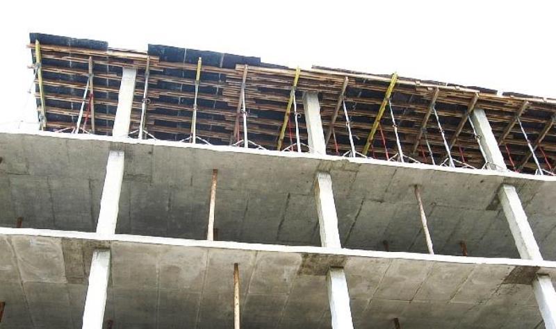 В Махачкале прокуратура требует снести 6-й этаж многоквартирного дома