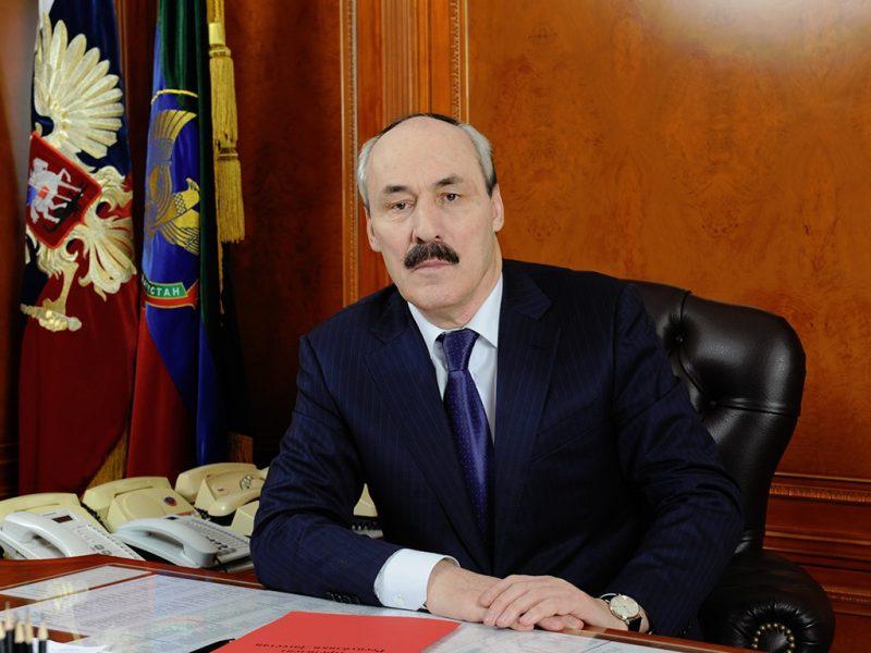 Рамазан Абдулатипов сообщил депутатам об отставке и выразил надежду, что дагестанцы будут сожалеть о его уходе